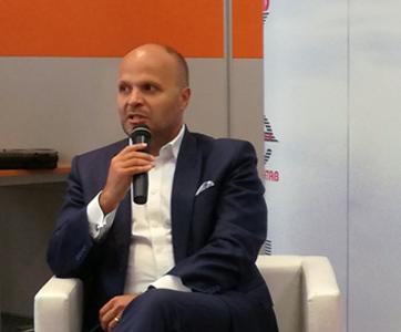 Jerzy Kurella podczas konferencji o współpracy energetyki z wykonawcami